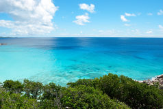Orilla tropical hermosa imagen de archivo