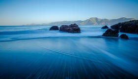 Orilla y océano de la arena en San Francisco imagen de archivo