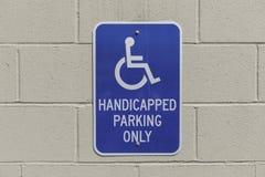 Orizzontale del segno di handicap immagini stock libere da diritti