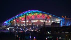 Orizzontale panoramico di 16:9 di notte dell'arena di Soci Fisht Immagini Stock
