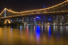 Orizzonte 1 di notte della città di Brisbane Fotografia Stock