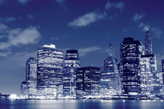 Orizzonte alla notte, New York City di Manhattan Fotografia Stock