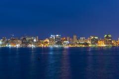 Orizzonte alla notte, Nova Scotia, Canada della città di Halifax Immagini Stock
