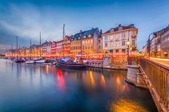 Orizzonte del canale di Copenhaghen, Danimarca fotografie stock libere da diritti