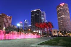 Orizzonte del centro della città di Tampa nel Riverwalk Fotografie Stock
