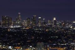 Orizzonte del centro di Los Angeles alla notte Fotografie Stock Libere da Diritti