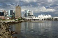 Orizzonte del centro e puntello di Vancouver Immagini Stock Libere da Diritti
