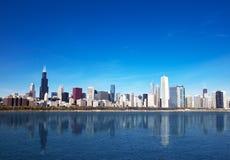 Orizzonte del Chicago dal lago Michigan Fotografia Stock