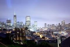 Orizzonte del distretto finanziario di San Francisco alla notte Immagine Stock Libera da Diritti