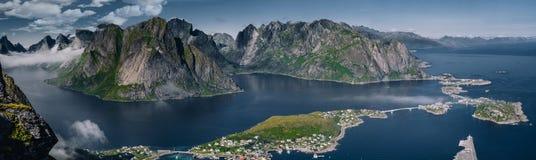 Orizzonte del fiordo di Lofoten immagine stock