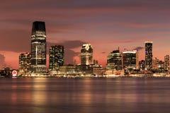 Orizzonte del New Jersey - vista dal porto marittimo del sud della via - New York fotografie stock