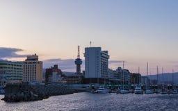 Orizzonte del porto e della città di Beppu nella sera Beppu, prefettura di Oita, Giappone, Asia immagini stock libere da diritti