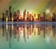Orizzonte della città con la riflessione in acqua Fotografia Stock Libera da Diritti