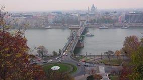 Orizzonte della città di Budapest al giorno del Danubio al timelapse di notte, Budapest, Ungheria archivi video