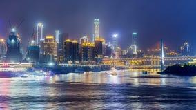 Orizzonte della città di Chongqing Lasso di tempo notte stock footage