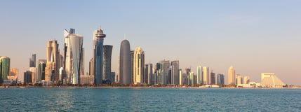Orizzonte della città di Doha Immagine Stock