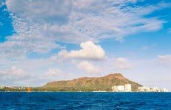 Orizzonte della città di Honolulu da acqua Fotografia Stock Libera da Diritti