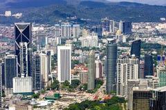 Orizzonte della città di Kuala Lumpur con i grattacieli, megapolis del ` s dell'Asia immagini stock