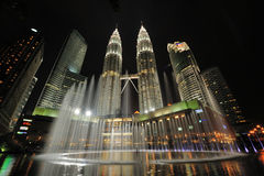 Orizzonte della città di Kuala Lumpur, Malesia Torri gemelle di Petronas Immagini Stock Libere da Diritti