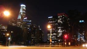 Orizzonte della città di Los Angeles alla notte (al rallentatore) video d archivio