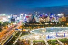 Orizzonte della città di Nagoya con il punto di riferimento di Nagoya nella penombra Fotografia Stock Libera da Diritti