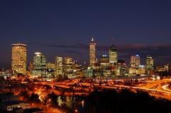 Orizzonte della città di Perth alla notte Immagine Stock