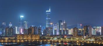 Orizzonte della città di Shenzhen, Cina alla notte fotografia stock libera da diritti