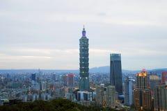 Orizzonte della città di Taipei, Taiwan Fotografia Stock