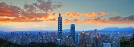 Orizzonte della città di Taipei, Taiwan Fotografia Stock Libera da Diritti