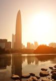 Orizzonte della città nella città di Shenzhen immagini stock
