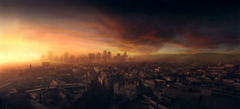 Orizzonte della città, tramonto in Europa Immagine Stock Libera da Diritti
