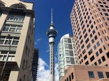 Orizzonte della torre del cielo di Auckland Fotografia Stock