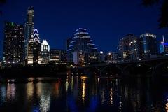 Orizzonte di Austin sopra il fiume Colorado fotografie stock