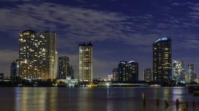 Orizzonte di Bangkok alla notte Immagine Stock