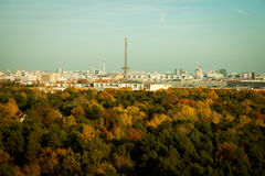 Orizzonte di Berlino alla luce di sera Fotografie Stock Libere da Diritti