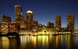 Orizzonte di Boston alla notte Immagini Stock Libere da Diritti
