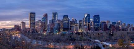 Orizzonte di Calgary ad alba Fotografia Stock