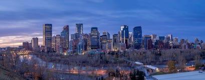 Orizzonte di Calgary ad alba Immagine Stock Libera da Diritti