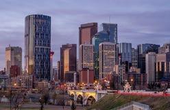 Orizzonte di Calgary ad alba Fotografie Stock