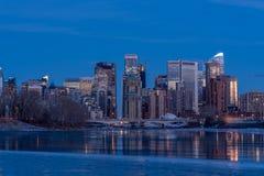 Orizzonte di Calgary in inverno fotografie stock