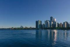 Orizzonte di Chicago del centro sopra il lago Michigan, in Chicago, U.S.A. fotografia stock