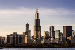 Orizzonte di Chicago, Illinois con Willis Tower al tramonto Fotografie Stock