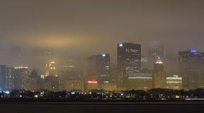 Orizzonte di Chicago in nebbia Fotografia Stock