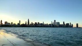 Orizzonte di Chicago a tempo di tramonto video d archivio