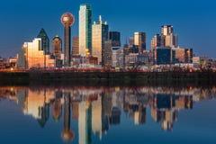 Orizzonte di Dallas al tramonto Fotografie Stock