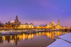 Orizzonte di Dresda nell'inverno fotografia stock libera da diritti