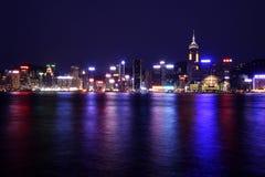 Orizzonte di Hong Kong entro Night Immagine Stock Libera da Diritti