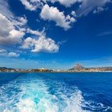 Orizzonte di Javea Xabia dal mar Mediterraneo Spagna Fotografie Stock Libere da Diritti