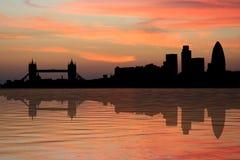 Orizzonte di Londra al tramonto Immagini Stock Libere da Diritti