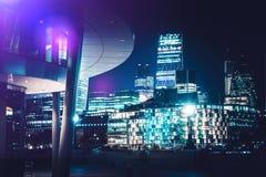 Orizzonte di Londra alla notte immagine stock libera da diritti